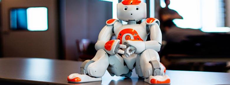 Страхование роботов становится актуальнее — расходы на робототехнику
