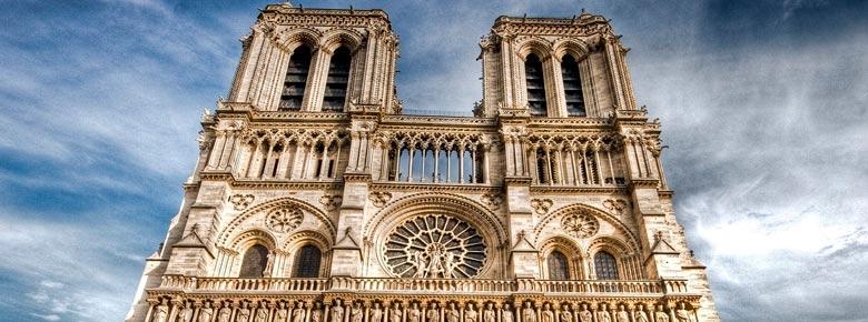 Французская страховая компания AXA выделит 10 млн. евро на реставрацию собора Нотр-Дам-де-Пари