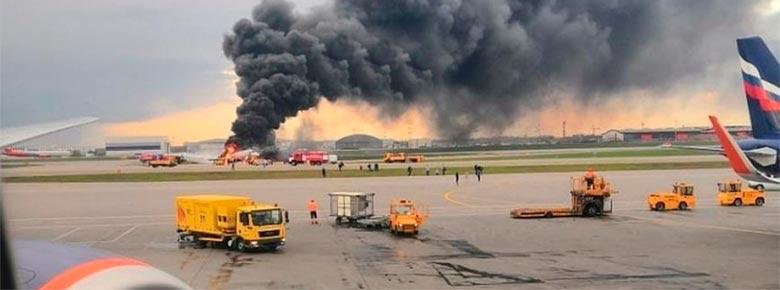 В результате жёсткой посадки самолета SSJ-100 и пожара в Шереметьево 41 человек погиб. Страховщики оценивают ущерб