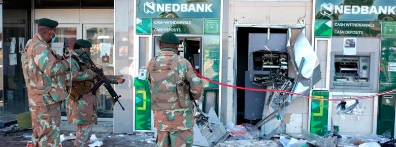 Страховые выплаты по искам, связанным с гражданскими беспорядками в Южной Африки в июле, превысят $1,34 млрд